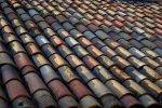 Budujesz swój dom? Zorientuj się w typach pokryć dachowych