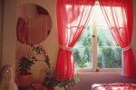 Świetne dekoracje okienne – ciekawy design i piękna kolorystyka